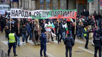Bulgarian society is drifting between the discomfort of the status quo and the uncertainty of alternatives
