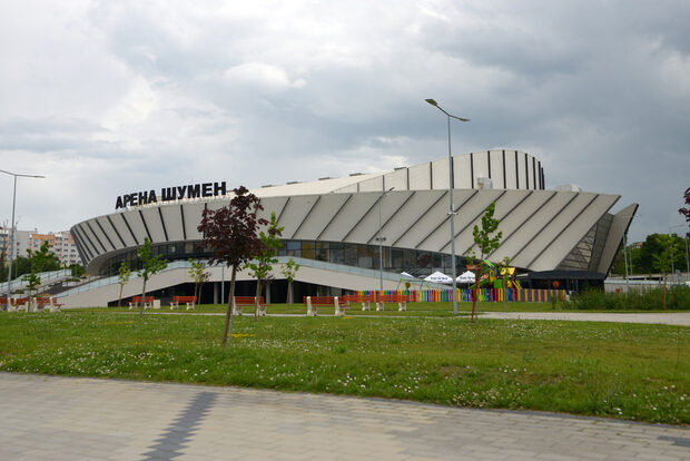 The Black Wednesday: A 13 Million Sports Hall With The Revenue Of A Corner-Store