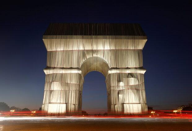 Christo in Paris: L'Art de Triomphe