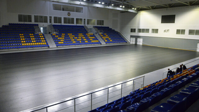 What was meant to be a sports hall has mainly been used for concerts and other events because the municipal authorities refuse to lower the fees for local sports clubs that want to use it