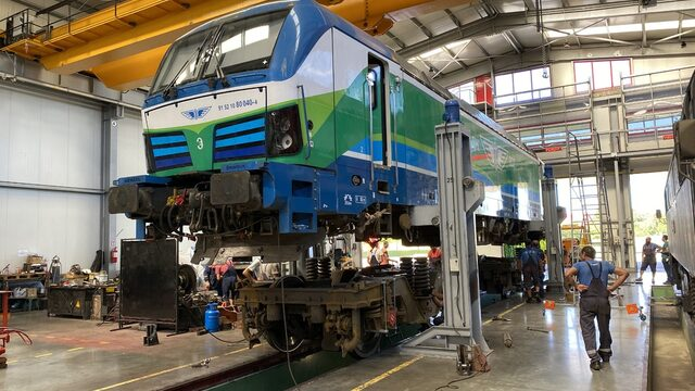 In the past two years, Express Service fixed its relationship with the State Railway company and is now maintaining and repairing its newest machines