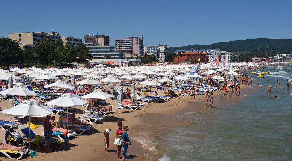 Off icial data shows that tourism revenue reached 3.5 billion levs in the June-August period of 2016, up more than 17% year on year