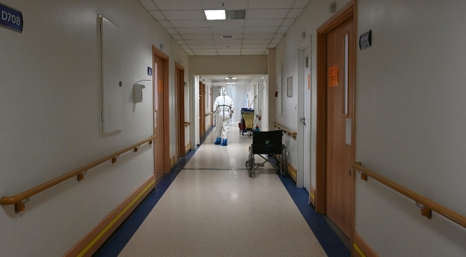 Covid-19 wards in hospitals are about 35 percent full and increasing, health authorities warn
