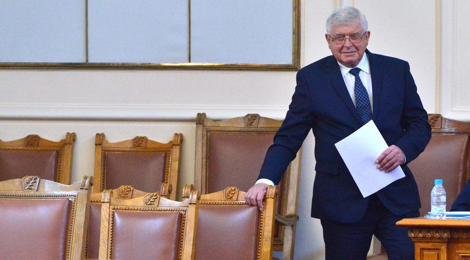 Finance Minister Kiril Ananiev (in resignation)