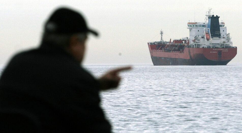 The Vera SU ship got stranded on 20 September near Kamen Bryag